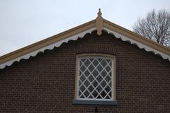Vieux bâtiment néerlandais dans le petit village images libres de droits