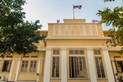 Vieux bâtiment néoclassique de style d'hôpital de Siriraj de faculté de médecine à l'hôpital de Siriraj, à l'hôpital le plus anci image stock