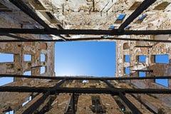Vieux bâtiment rampant à Le Pirée, Grèce photographie stock