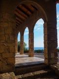Vieux bâtiment sur la côte de la mer Méditerranée en Espagne Image stock