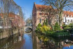 Vieux bâtiments à un canal à Amersfoort Photos libres de droits