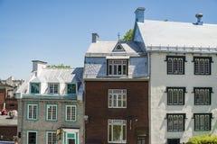 Vieux bâtiments colorés à Québec, Canada photos libres de droits