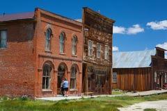 Vieux bâtiments dans Bodie, une ville fantôme originale des 180 en retard Images stock