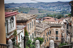 Vieux bâtiments dans Corinaldo Photos stock