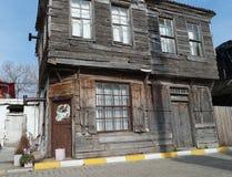 Vieux bâtiments dans la campagne Maisons de village images libres de droits
