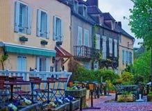 Vieux bâtiments dans Vezelay dans la Bourgogne Franche Comte des Frances Image libre de droits