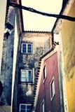 Vieux bâtiments mélangés Photographie stock libre de droits