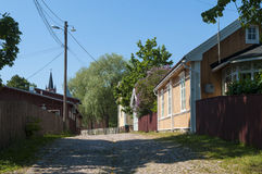 Vieux bâtiments residentual en bois Loviisa photos libres de droits