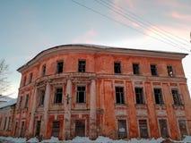 Vieux b?timent architectural Vieux b?timent architectural ruin? Plan rapproch? de cru d'architecture photos stock