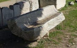Vieux banc romain grec Photos stock