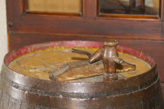 Vieux baril pour le vin photographie stock