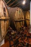 Vieux barils de vin, Cafayate, Salta, Argentine images stock