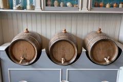 Vieux barils en bois Photos libres de droits