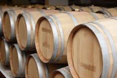 Vieux barils en bois de vin Photo stock