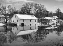 Vieux barrage de moulin photographie stock