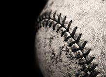 Vieux base-ball porté photographie stock