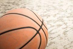 Vieux basket-ball Photo libre de droits