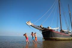 Vieux bateau à voile aux Pays-Bas Images stock