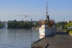 Vieux bateau au matin d'été de Lappeenranta finland Photographie stock