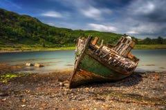 Vieux bateau d'Ardvasar Photos stock