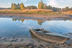 Vieux bateau d'aviron Image stock