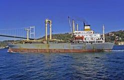 Vieux bateau dans le Borphorus Photographie stock