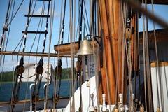 Vieux bateau de navigation Photos stock