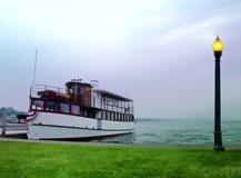 Vieux bateau de visite Photo stock