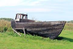Vieux bateau en bois de pêche Photo stock