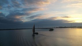 Vieux bateau néerlandais de voile photos stock