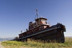 Vieux bateau retiré de traction subite Images libres de droits