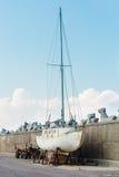 Vieux bateau rouillé Image libre de droits
