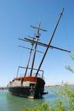 Vieux bateau sur le lac ontario photos libres de droits