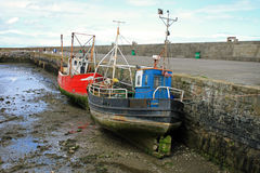 Vieux bateaux au port de Howth Images libres de droits