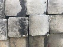 Vieux blocs de béton carrés Photo stock