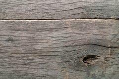 Vieux bois brut noué criqué putréfié superficiel par les agents photo stock