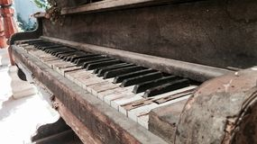 Vieux bois de vintage de piano Photos stock