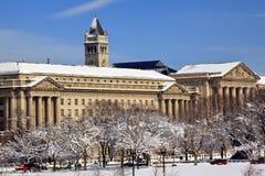 Vieux bureau de poste de département du commerce après neige Image stock