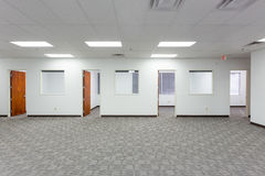Vieux bureaux vides Photographie stock