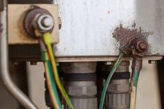 Vieux câbles électriques moulus Photos stock