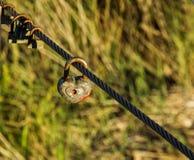 Vieux cadenas comme symbole de l'amour éternel Photos libres de droits