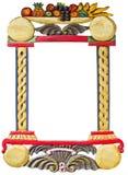 Vieux cadre fabriqué à la main en bois avec le motif de fruits Photos libres de droits