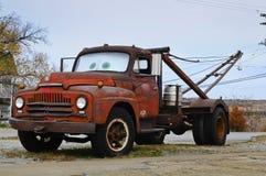 Vieux camion de remorquage Photos libres de droits
