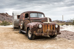 Vieux camion rouillé en ville fantôme de Nelson Nevada Photo stock