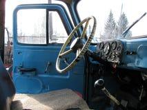 Vieux camion russe - vue de l'intérieur Images stock