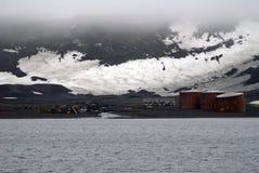 Vieux camp de pêche à la baleine sur l'île de duperie, Antarctique Images stock