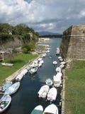 Vieux canal de forteresse à Corfou Photographie stock libre de droits