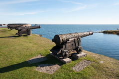 Vieux canon sur les remparts du château de Kalmar Photo stock