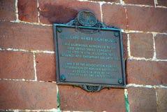 Vieux cap historique Henry Lighthouse Placard, la Virginie Etats-Unis photos libres de droits