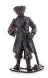 Vieux capitaine de pirate en plan rapproché de regard authentique de costume d'isolement sur un fond blanc Figurine miniature d'u Images stock